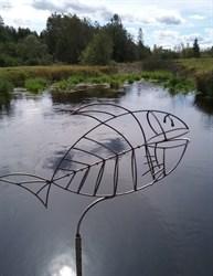 Рыба на ножке большая